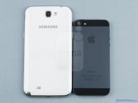 Samsung-Galaxy-Note-II-vs-iPhone-555