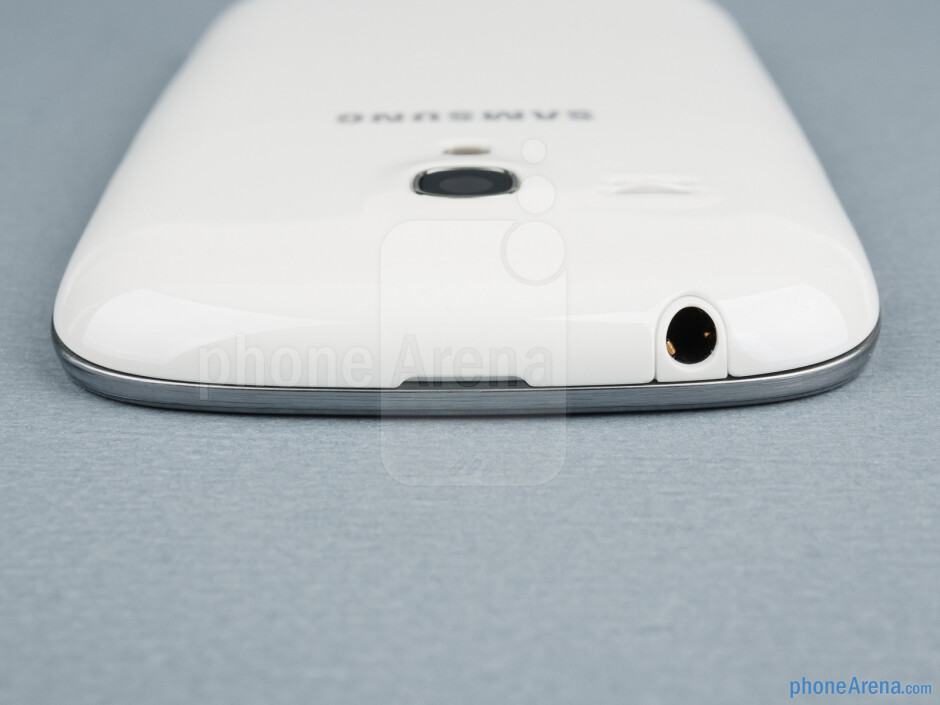3.5mm jack (top) - The sides of the Samsung Galaxy S III mini - Samsung Galaxy S III mini Review