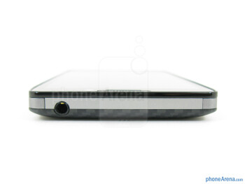 Top - The sides of the Motorola DROID RAZR HD - Motorola DROID RAZR HD Review