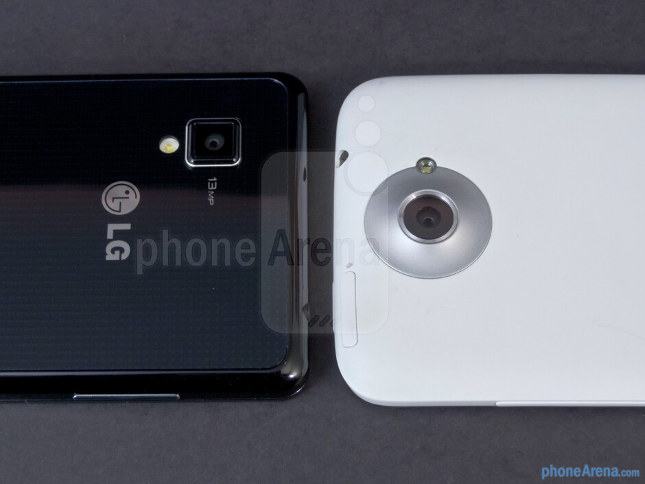 Rear cameras - The sides of the LG Optimus G (left, bottom) and the HTC One X (right, top) - LG Optimus G vs HTC One X