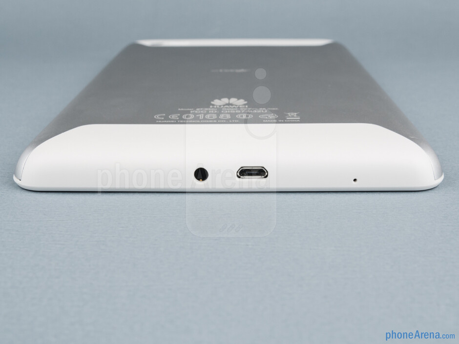 The sides of the Huawei MediaPad 7 Lite - Huawei MediaPad 7 Lite Review