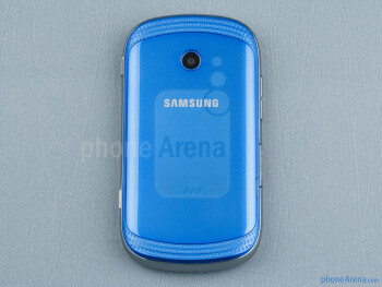 Back - The sides of the Samsung Galaxy Music - Samsung Galaxy Music Review