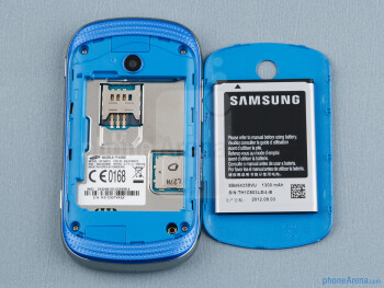 Battery compartment - The sides of the Samsung Galaxy Music - Samsung Galaxy Music Review