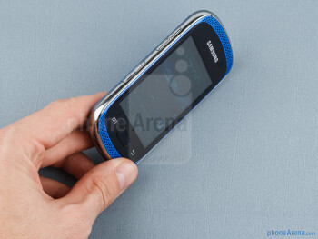 The Samsung Galaxy Music  has a design with flashy color - Samsung Galaxy Music Review