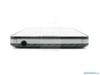 Top - The sides of the Motorola DROID RAZR MAXX HD - Motorola DROID RAZR MAXX HD Review