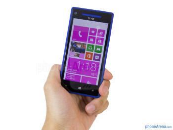 Wrapping our hand around it, the HTC Windows Phone 8X feels comfortable enough - HTC Windows Phone 8X Review