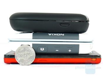 From Top: Motorola PEBL, 5300, W880 - Sony Ericsson W880 Review