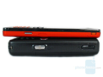Top:W880, Bottom:W810 - Sony Ericsson W880 Review