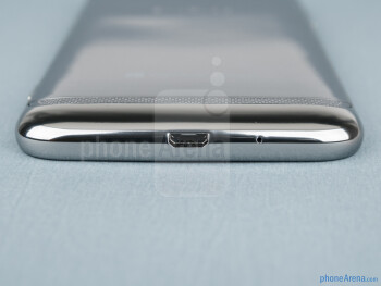 The sides of the Samsung ATIV S - Samsung ATIV S Review