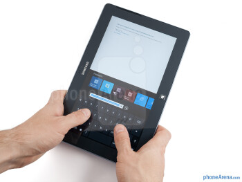 At 570 grams, the Samsung ATIV Tab doesn't put much of a strain on the wrist - Samsung ATIV Tab Review