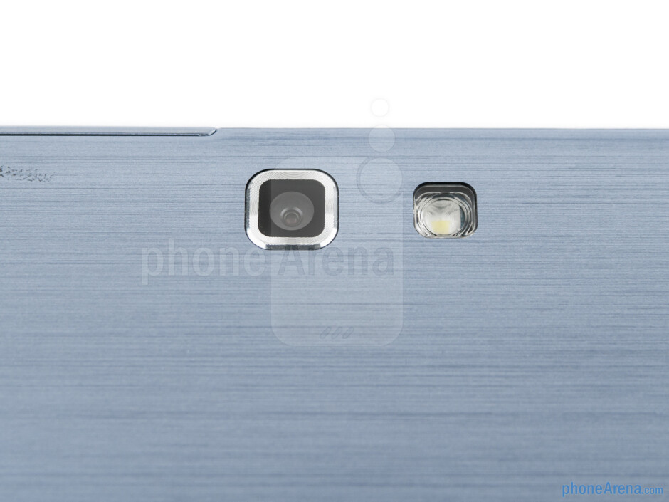 Rear camera - Samsung ATIV Tab Review