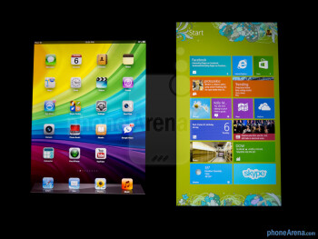 Viewing angles - Color productionThe Apple iPad 4 (left) and the Microsoft Surface RT (right) - Apple iPad 4 vs Microsoft Surface RT