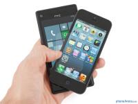 HTC-Windows-Phone-8X-vs-Apple-iPhone-5001.jpg