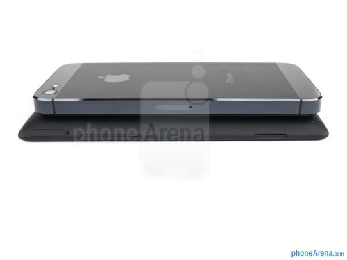 HTC Windows Phone 8X vs Apple iPhone 5