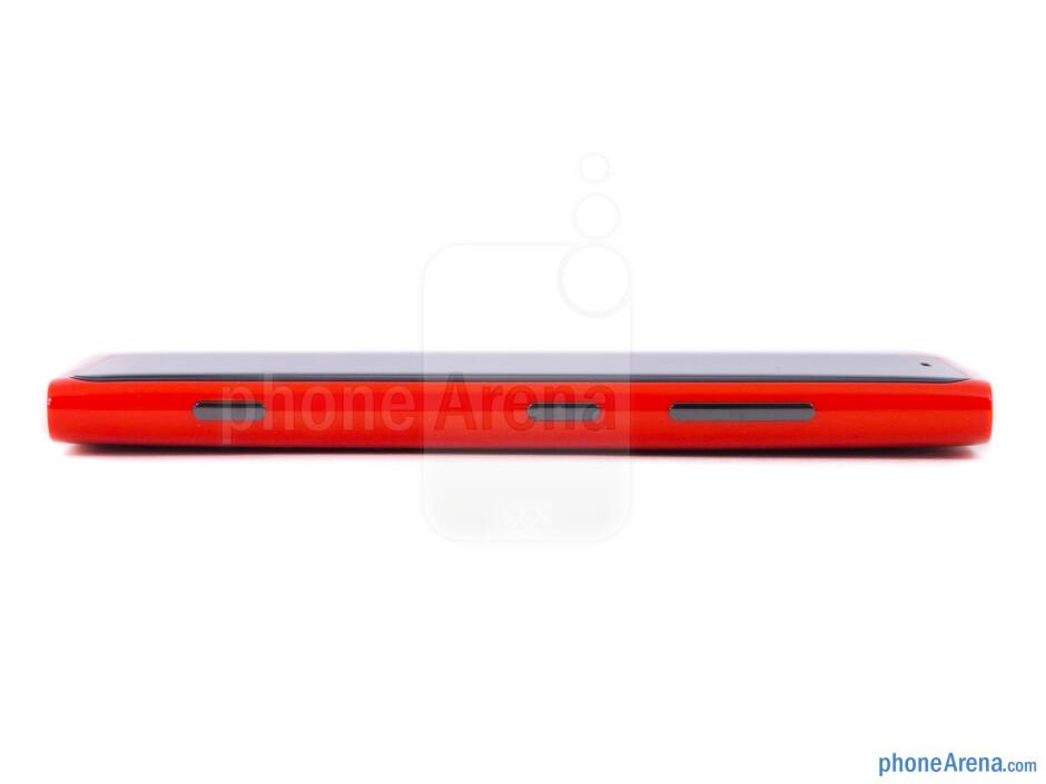 Right - The sides of the Nokia Lumia 920 - Nokia Lumia 920 Review