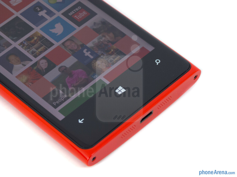 Capacitive Windows Phone buttons - Nokia Lumia 920 Review