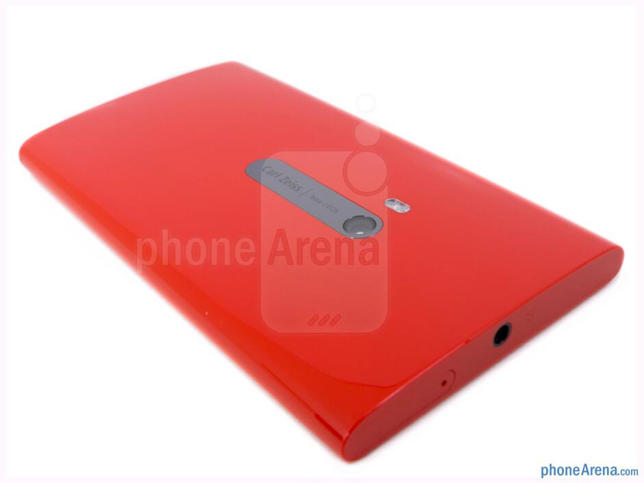 The back of the Nokia Lumia 920 - Nokia Lumia 920 Review