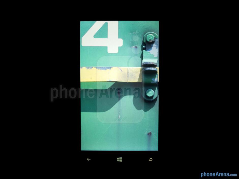 Color production - Nokia Lumia 920 Review