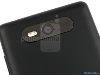 Rear camera - The sides of the Nokia Lumia 820 - Nokia Lumia 820 Review