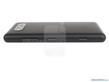 Right edge - The sides of the Nokia Lumia 820 - Nokia Lumia 820 Review
