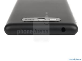 Top - The sides of the Nokia Lumia 820 - Nokia Lumia 820 Review