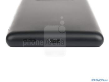 Bottom - The sides of the Nokia Lumia 820 - Nokia Lumia 820 Review