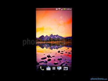 Color production - HTC DROID DNA Review