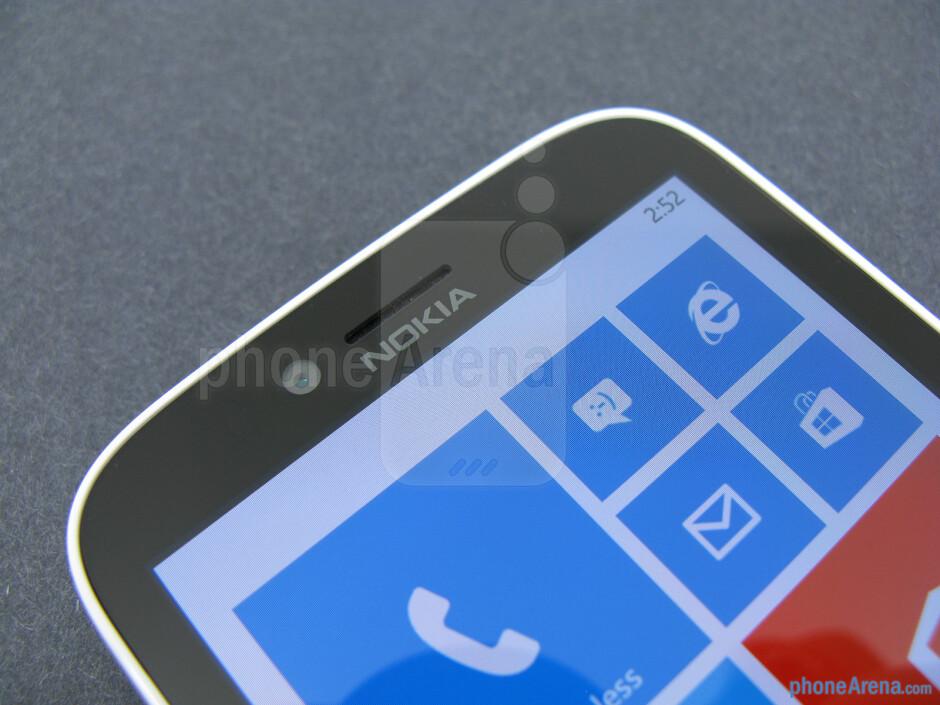 Front camera - Nokia Lumia 822 Review