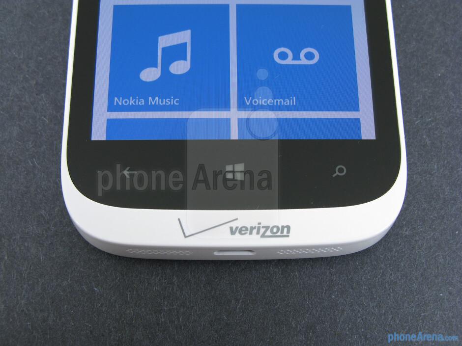 Windows buttons - Nokia Lumia 822 Review