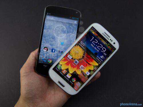Google Nexus 4 vs Samsung Galaxy S III