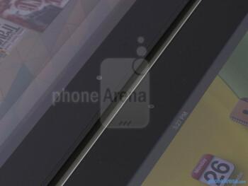 Front cameras - The Google Nexus 10 (left) and the Apple iPad 4 (right) - Google Nexus 10 vs Apple iPad 4