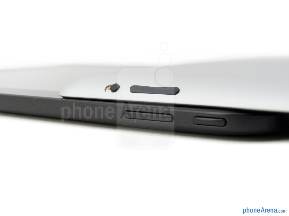 Volume rockers - The Google Nexus 10 (bottom, left) and the Apple iPad 4 (top, right) - Google Nexus 10 vs Apple iPad 4