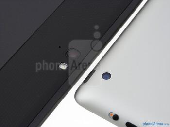 Rear cameras - The Google Nexus 10 (left) and the Apple iPad 4 (right) - Google Nexus 10 vs Apple iPad 4