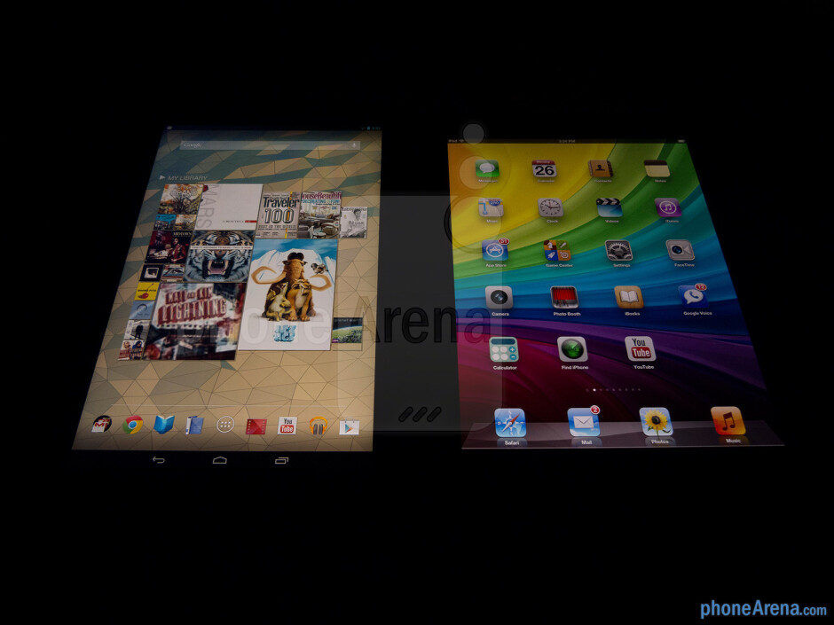 Viewing angles - Color productionThe Google Nexus 10 (left) and the Apple iPad 4 (right) - Google Nexus 10 vs Apple iPad 4