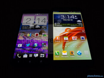 Viewing angles - Color production of the HTC DROID DNA (left) and the Samsung Galaxy Note II (right) - HTC DROID DNA vs Samsung Galaxy Note II
