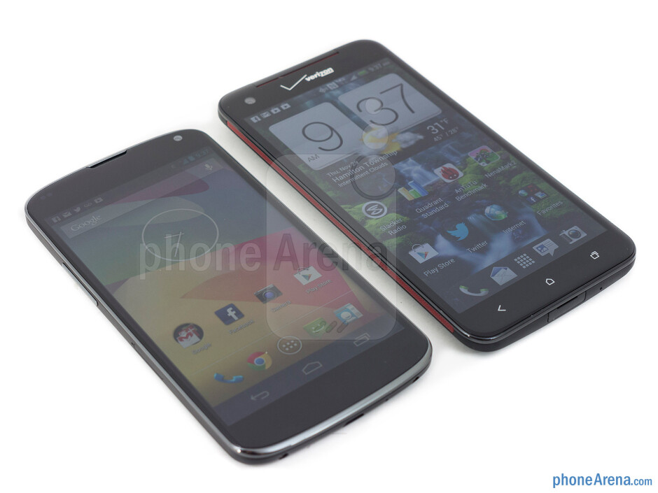 The Google Nexus 4 (left) and the HTC DROID DNA (right) - Google Nexus 4 vs HTC DROID DNA