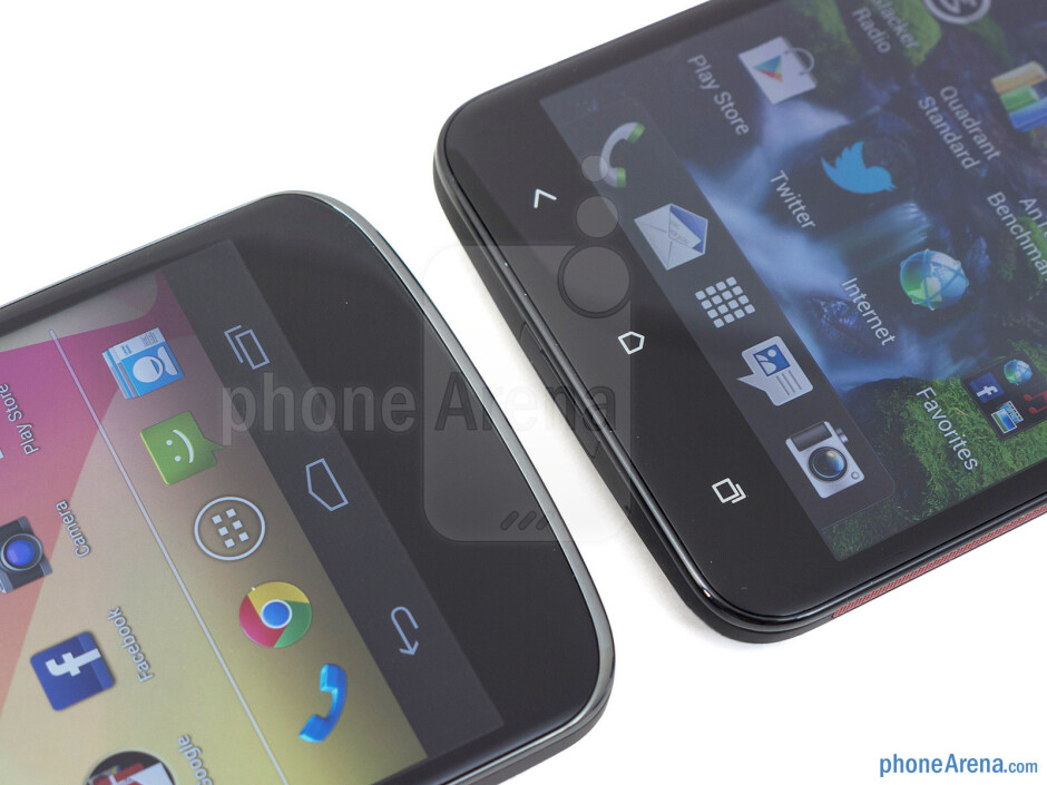 Android buttons - The Google Nexus 4 (left) and the HTC DROID DNA (right) - Google Nexus 4 vs HTC DROID DNA
