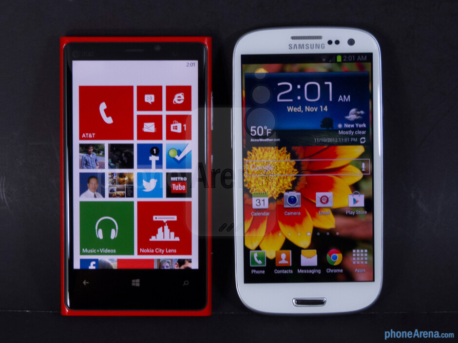 The Nokia Lumia 920 (left) and the Samsung Galaxy S III (right) - Nokia Lumia 920 vs Samsung Galaxy S III