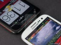 HTC-DROID-DNA-vs-Samsung-Galaxy-S-III004