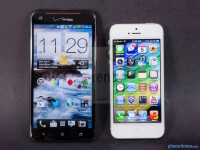 HTC-DROID-DNA-vs-Apple-iPhone-5001