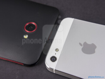 Rear cameras - The sides of the HTC DROID DNA (bottom, left) and the Apple iPhone 5 (top, right) - HTC DROID DNA vs Apple iPhone 5