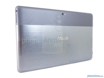 Back - The sides of the Asus VivoTab RT - Asus VivoTab RT Review