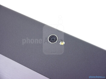 Rear camera - The sides of the Asus VivoTab RT - Asus VivoTab RT Review