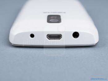 Top - The sides of the Nokia Asha 309 - Nokia Asha 309 Review