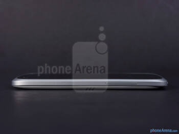 Right - Тhe sides of the HTC One VX - HTC One VX Review