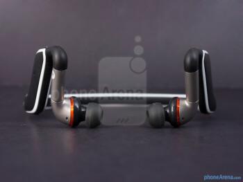 The Motorola S11-FLEX HD has a wrap-around design - Motorola S11-FLEX HD Review