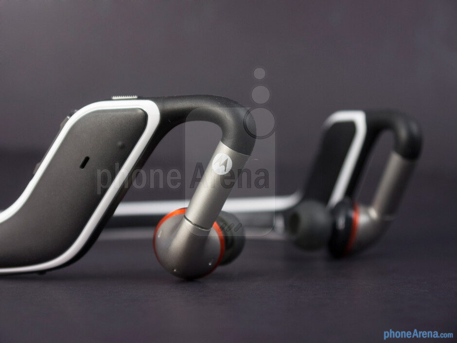 The earbuds are adjustable in both rotation and extension to fit into the ear - Motorola S11-FLEX HD Review