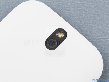 Rear camera - The sides of the HTC One SV - HTC One SV Review
