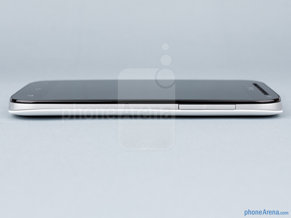 Volume rocker (right) - HTC One SV Review