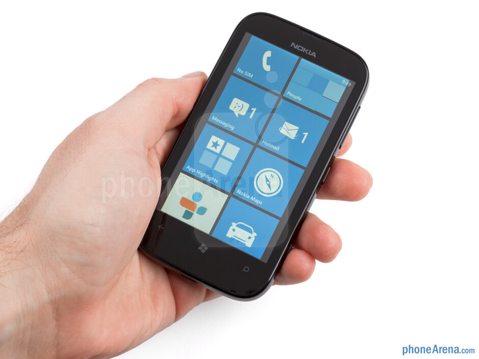 The soapy shaped Nokia Lumia 510 is built solid - Nokia Lumia 510 Review